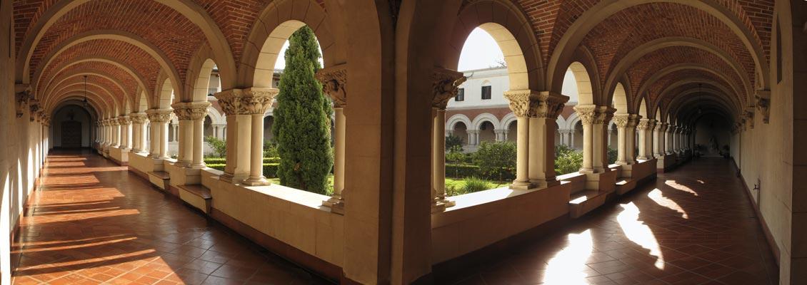Claustro de la Abadía de Santa Escolástica